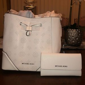 New Michael Kors and wallet set.